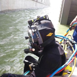 Diver ready for the job in panama